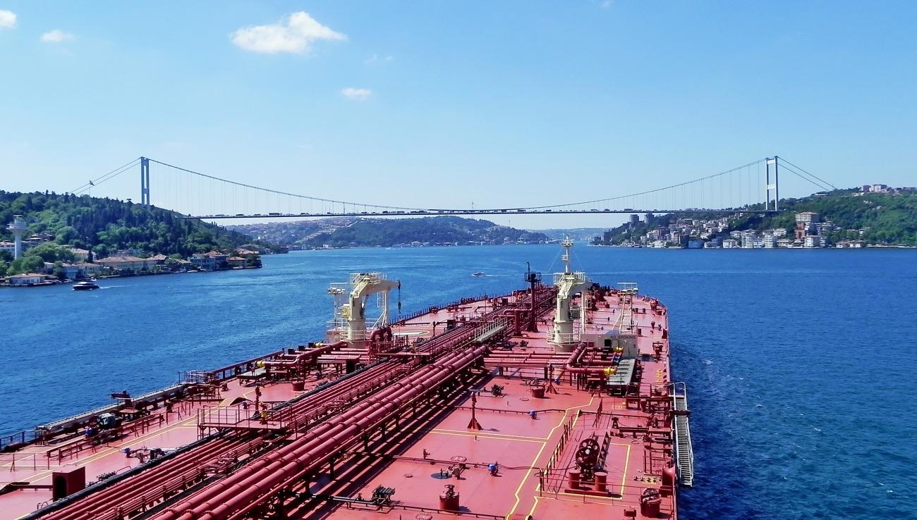 Ай да греки! Предложили пускать российские корабли в обход Турции. НАТО это не понравится