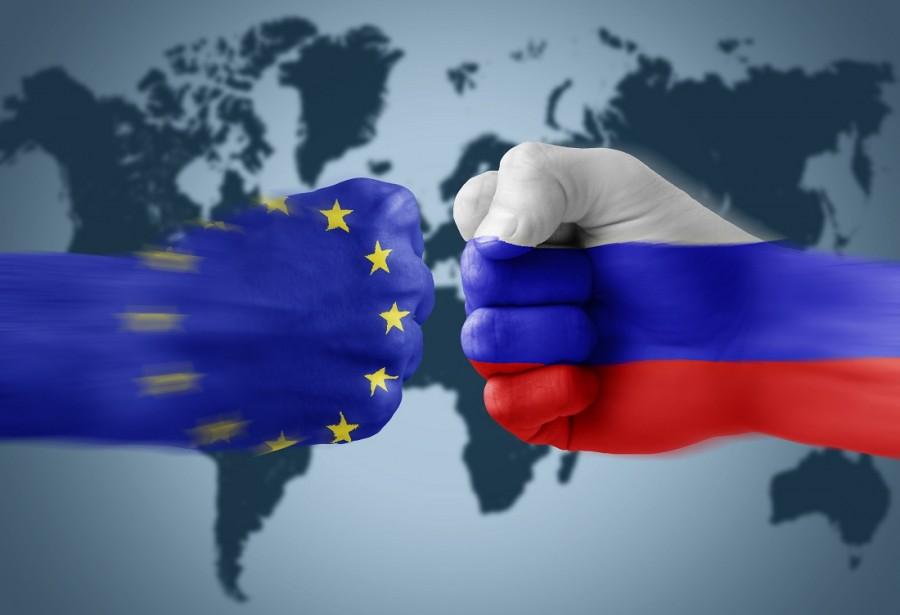 Валютная война Запада против России и валютный контроль